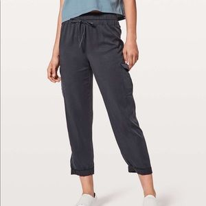 Lululemon size 10 move lightweight cargo graypants